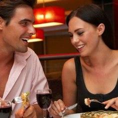 """Kui olete väsinud argihallist ning soovite nautida õhtut koos kallima või sõbraga koos basseini- ja saunamõnude, õhtusöögi, majutuse ja maitsva hommikusöögiga, siis <a href=""""http://www.hotelliveeb.ee/et/ecoland-boutique-hotell/romantikapaketid-7/pakett?utm_source=ohtuleht_naistepaev&utm_campaign=ecoland_naistepaev&utm_medium=ohtuleht_naistepaev"""" target=""""_blank"""">Ecoland Boutique Spa hotelli pakkumine</a> on just Teile. Hind kahele kokku al. 38 eur.  Õhtusöögipaketis sisaldub: - Kahekohaline tuba 1 öö - Üks kuni 12-a. laps hinnas - Buffet hommikusöök kahele - Õhtusöök hotelli restoranis kahele - Piiramatu sauna ja basseini kasutus - Soodustused spaahoolitsuselt -10% - Hommikumantlite kasutus - Tasuta parkimine"""