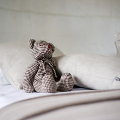 Ajal, mil päev justkui ei saakski otsa, on raske end magamaminekule häälestada ja vajalikke unetunde täis magada. Nippe, kuidas paremini magada, jagab tuntud unearst Marlit Veldi.