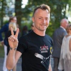 Svjata Vatra solistRuslan Trochynskyitoob värskes Naistelehes välja oma elurõõmu saladused, mis aitavad tal stressist hoolimata laval särada ning olla parim isa ja abikaasa oma perele.