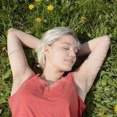 Kõik me teame, et unepuuduse eest maksab keha kätte närtsinud naha ja siniste silmaalustega. Pane ööuni oma ilu nimel tööle!