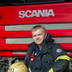 Antti Lääts on eluaeg tahtnud olla tuletõrjuja. Vähemalt nii kinnitas mehele tema kunagine kasvataja lasteaia kokkutulekul palju aastaid hiljem. Mees ise on pidanud aga punasele kukele kaks elupaika loovutama.
