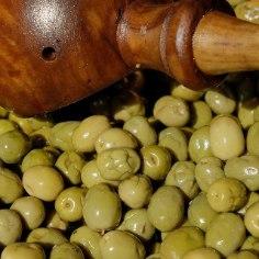 Oliivid on küll imehead, kuid parakuläheb külmikus avatud purkruttukäest ära: oliividele tulebjuurde kõrvalmaitse või lähevad need lihtsalthallitama.Siin on lahendus.