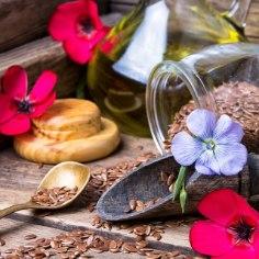 Kui käepärast linajahu ja linaõli, võib apteek meelest minna. Linaseemnetes leidub aineid, mis aitavad seedimise korralikult tööle panna, vähendavad halva kolesterooli sisaldust veres, turgutavad immuunsust ja peletavad stressi.