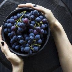 Värsked viljad meelitavad ligi pisikesi kärbseid? Ära muretse, see kiiretrikk aitab sul neist lahti saada.
