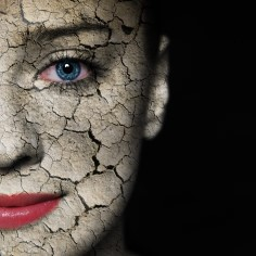 Kuiv nahk ei näe üksnes halb välja, vaid on ka väga ebamugav. Sageli on peale eelsoodumuse põhjuseks ka teadmatus, sest mitmed traditsioonilised ilurituaalid ei sobi kõigile nahatüüpidele ja võivad kasu asemel palju kahju tekitada.