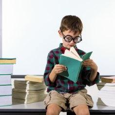 Kooliaeg on saabumas ning lapsevanematel tuleks läbi mõelda, mida uut on lapsele vaja. Lisaks uutele rõivastele on oluliste esemete hulgas kindlasti ka õppimistoa sisustus.
