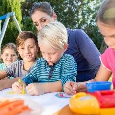 Dada ja Loovhoog tutvustavad ühteteist toredat mängu, mida kinkida lapsele – kõik on omal moel arendava eesmärgiga ja ühtviisi lõbusad.