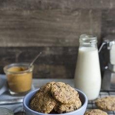 Nende imeliste küpsiste valmistamiseks ei pea sul kodus olema isegi suhkrut – banaanid ja šokolaaditükid annavad magusat mekki piisavalt!