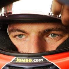 Rahvusvaheline autospordiliit FIA määras vormelipiloodile Max Verstappenile Esteban Oconi ründamise eest karistuseks kaks päeva ühiskondlikult kasulikku tööd.