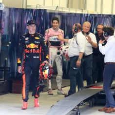 Vormelimaailmas kütab kirgi Esteban Oconi ja Max Verstappeni tüli. Tundub, et suurem osa kogukonnast on asunud Verstappenit kaitsma.