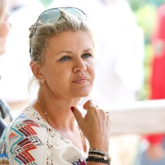 Michael Schumacheri tervisliku seisundi kohta pole pärast suusaõnnetust ametlikku informatsiooni tulnud. Nüüd, ligi viis aastat pärast saatuslikku päeva, on meediasse jõudnud Michaeli abikaasa Corinnakiri.