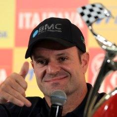 Endine vormel-1 sarja piloot Rubens Barrichello rääkis Brasiilia televisioonile veebruaris toimunud operatsioonist, kui tema kaelalt eemaldati kasvaja.