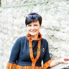 Poliitik ja koorijuht Laine Randjärv rääkis aasta tagasi Nipiraamatu avaloos, kuidas sai alguse tema armastus käsitöö vastu. Ta jagas ka häid nippe, miks võiks üldse käsitööd teha.