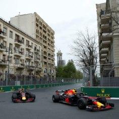 Aserbaidžaanis peetud vormel 1 etapp pakkus tõelise põnevusetenduse. Red Bullide võistluse rikkus meeskonnakaaslaste kokkupõrge.