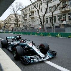 Vormel 1 hooaeg jätkus sel nädalavahetuselAserbaidžaanis, kus dramaatilise võidu noppis Lewis Hamilton (Mercedes).