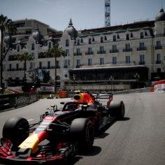 Vormel 1 sari jõudis otsaga Monacosse, kus peeti hooaja kuues osavõistlus. Teistele ei jätnud võimalust Daniel Ricciardo, kes valitses tervet nädalavahetust. Austraallane hoidis seljataga kibedad konkurendid Sebastian Vetteli ja Lewis Hamiltoni.