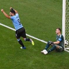 Uruguai jalgpallikoondis tõi ka kõige optimistlikumad Venemaa fännid maa peale, sest alistas turniiri võõrustaja A-grupi esikohamängus tulemusega 3:0.