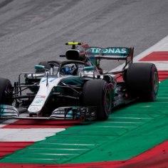 Vormel-1 Austria GP-l saavad homme esireast startida Mercedese piloodid. Teist aastat järjest näitas Red Bulli ringrajal kiireimat minekut Valtteri Bottas.