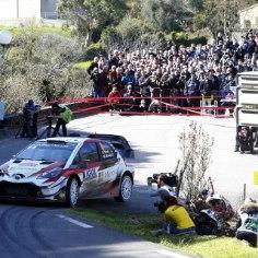 Eesti parim ralliduo Ott Tänak - Martin Järveoja on praegu läbimas testipäevi Saksamaal, et valmistuda just selles Euroopa suurriigis sõidetavaks MM-ralliks. Nagu allpool olevad videod näitavad, ajasid eestlased oma Toyota Yaris WRC mõnuga hüppesse.