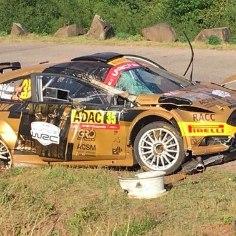 WRC2 klassis Saksamaa rallil osalenud hispaanlane Nil Solans tegi üheksandal kiiruskatsel avarii. Avapäeva järel kuuendat kohta hoidnud 26aastane rallimees kaotas oma Ford Fiesta R5 üle kontrolli ja sõitis suurel kiirusel teelt välja. Sõitja, kaardilugeja ega pealtvaatajad õnneks viga ei saanud.