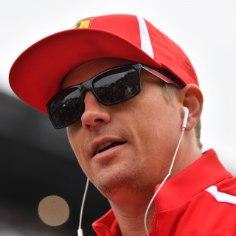"""Kimi Räikkönen ei jätka järgmisel aastal küll enam Ferrari roolis, kuid vähemalt ei lahku soomlane vormelisarjast päriselt. Nimelt siirdub mees järgmiseks hooajaks oma """"kasvatajatiimi"""" ehk Sauberisse."""