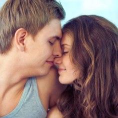 Õnnelik või õnnetu suhe? Milliseid tundeid peaks õige partner sinus tekitama?