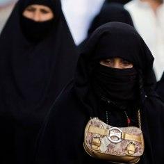 Saudi naisele mõisteti abielurikkumise eest surmanuhtlus, armukesele piitsahoobid