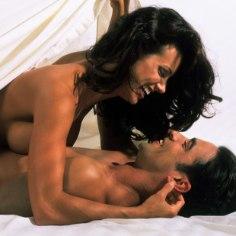 10 asja, mida naised voodis teevad ja mida mehed tegelikult ei salli!