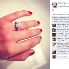 Helen Adamson tegi Facebookis kihlumistünga