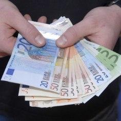Tööandjad soovivad tõsta miinimumpalga kahe aasta jooksul 448 eurole