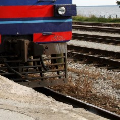 Paldiskis jäi mees rongi alla