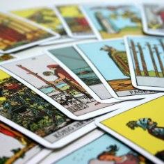 TAROSKOOP: mida lubavad kaardid Kaksikule ja Vähile järgmiseks kuuks?
