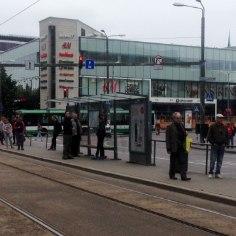 FOTOD | Inimesed ootavad ja ootavad, aga trammi ei tule