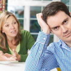 NAISTE SALANIPID: kuidas meelitada mees rääkima suhte muredest?