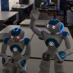 """MASINATE MÄSS NÜÜD UKSE EES? Robot sai aru: """"Ma olen olemas!"""""""