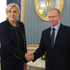 <font color=&quot;#d30008&quot;>FOTOD  </font> Marine Le Pen kohtus Vladimir Putiniga