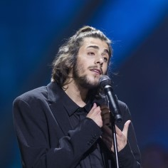 Eurovisioni võitja on raskes seisus haiglas