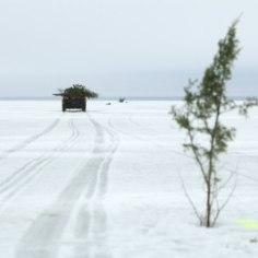 <font color=&quot;#d30008&quot;>LUSTISÕIT:</font> Venemaalt üle järvejää rallinud joobnud mehed võeti kinni