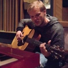 <font color=&quot;#d30008&quot;>VIDEO | </font>Avicii Eesti juurtega muusikaõpetaja: ta oli küllaltki tagasihoidlik ja o