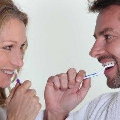<font color=&quot;#d30008&quot;>HULL LUGU!</font> Vilets hambapesu rikub erektsiooni