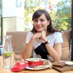 Taimetoitlust harrastav Züleyxa Izmailova laste toidulauda ei piira