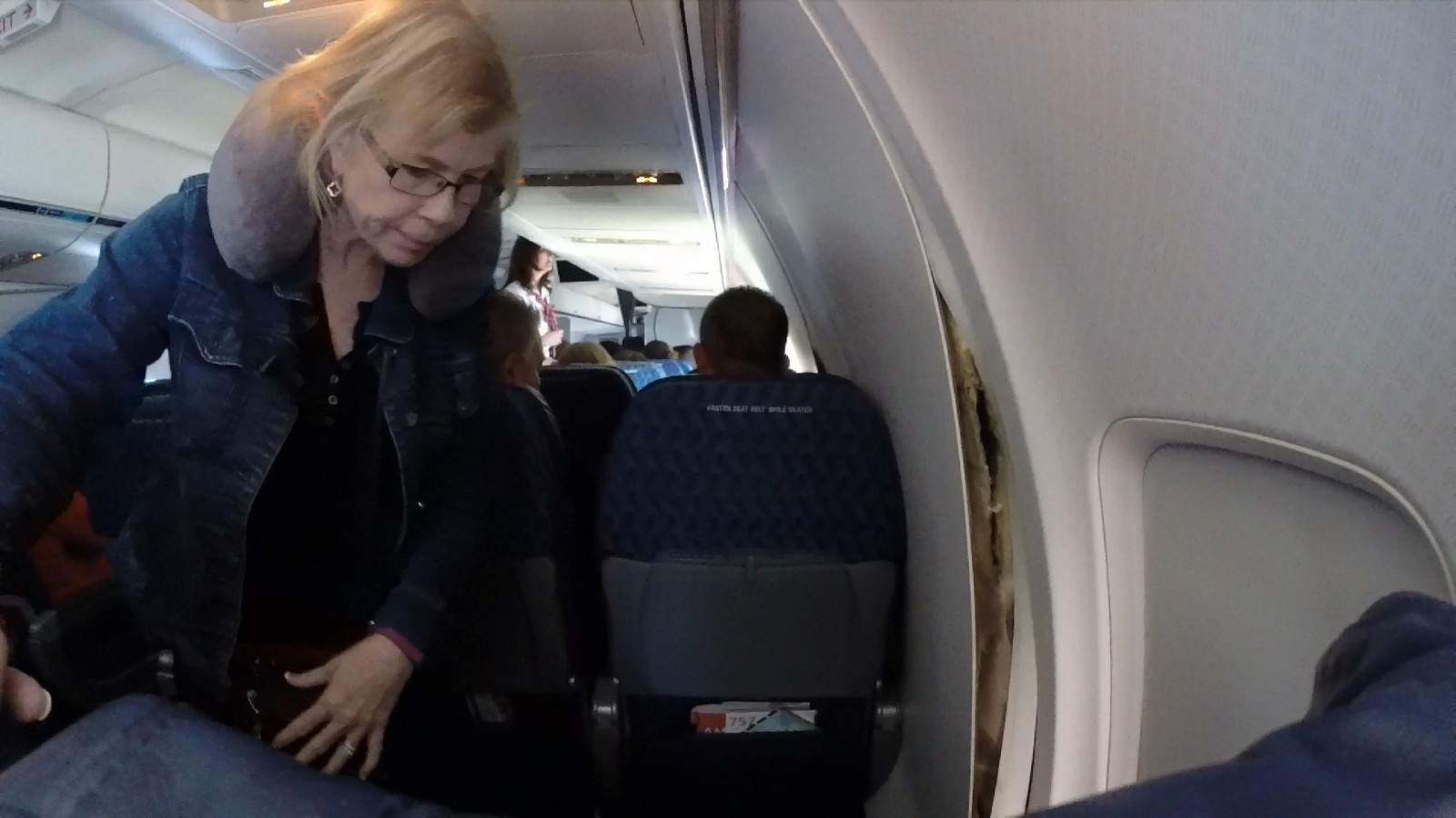 american airlines plane cabin walls crack loose on flight - 1200×630