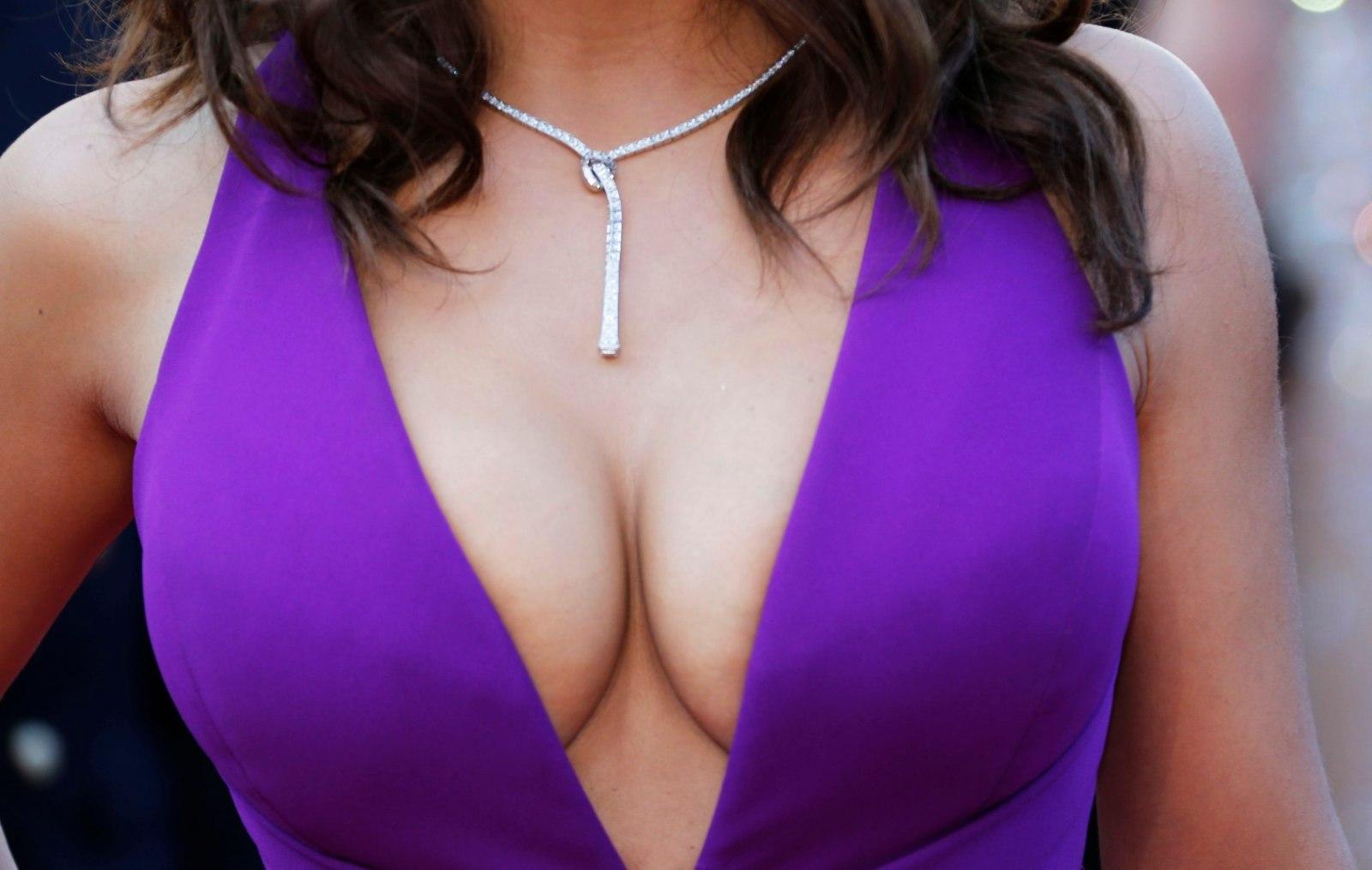 Смотреть сиськи самые маленькие, Маленькие сиськи, маленькая грудь - порно видео 9 фотография
