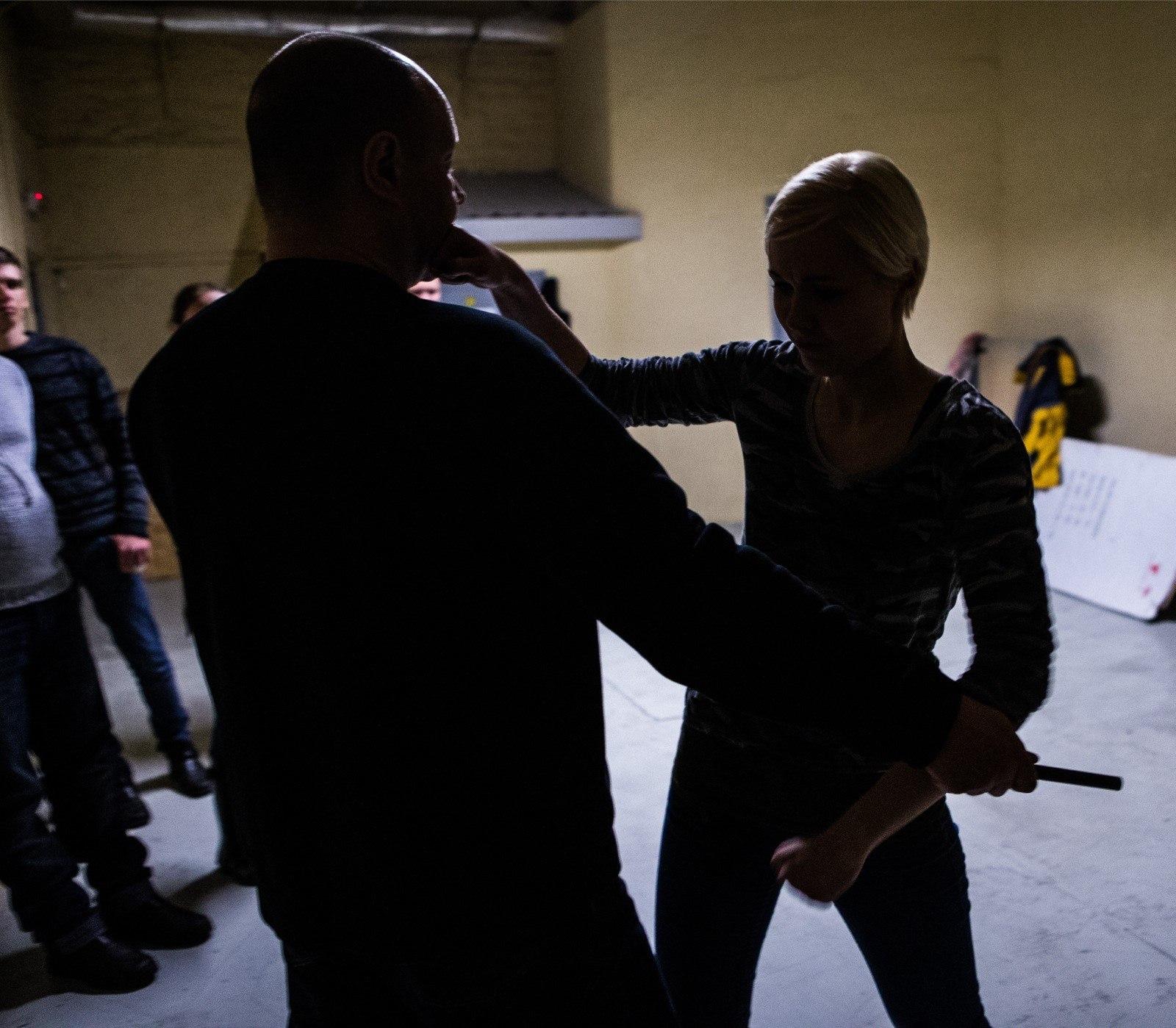 d5f7e952bcd JÕHKER VIDEO   Tallinnas tungis mees päise päeva ajal naisele kallale    Õhtuleht