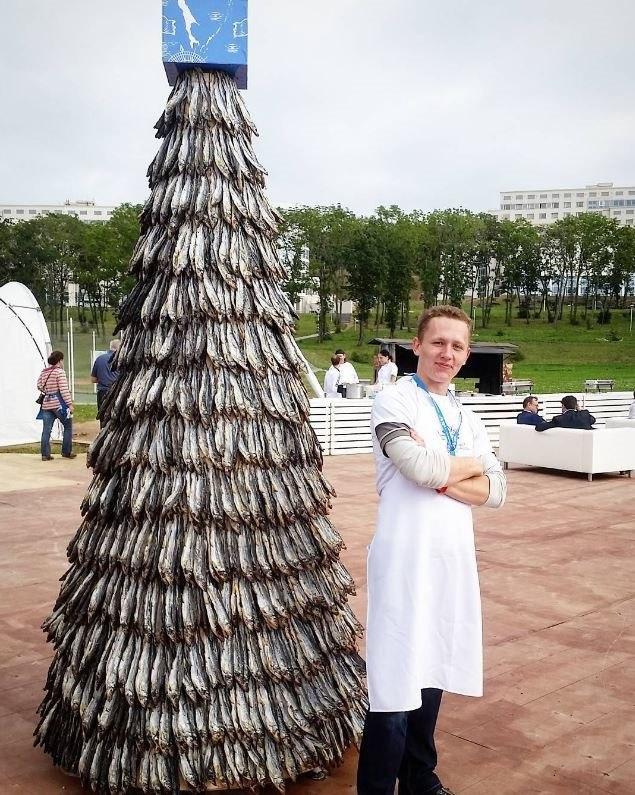 елка из рыбы фото