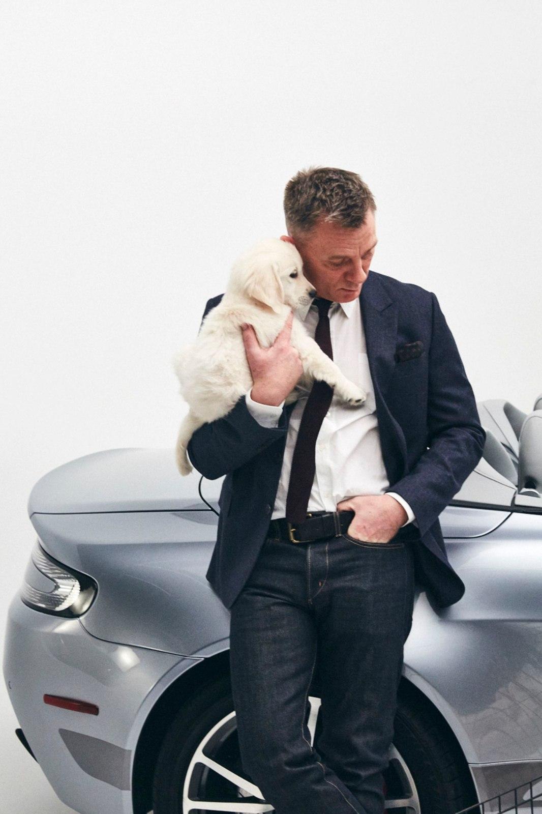 f4b9be5b50f MIDAGI NAISTELE! Karm Bond Daniel Craig poseerib koos kutsikatega | Õhtuleht
