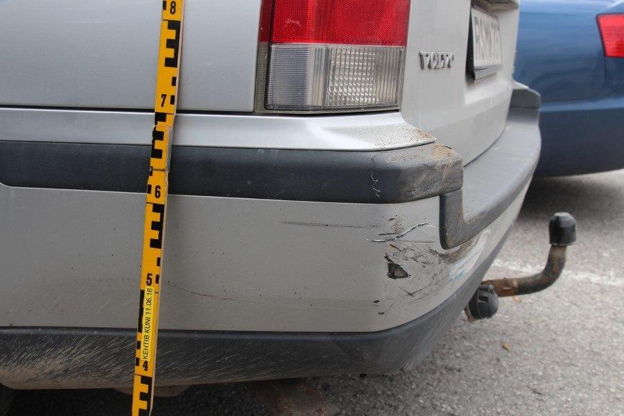 6aa89148b1a FOTO | Politsei otsib Annelinnas Volvole otsa sõitnud autojuhti | Õhtuleht