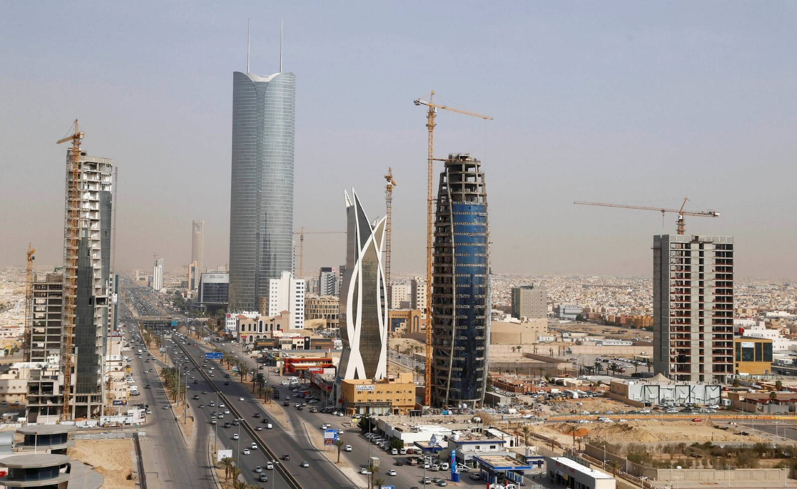 the global financial crisis saudi arabia and uae Normally, saudi arabia draws much external attention for reasons relating to the importance of oil as a key global commodity and the kingdom's geo-political position in the gulf region's security.