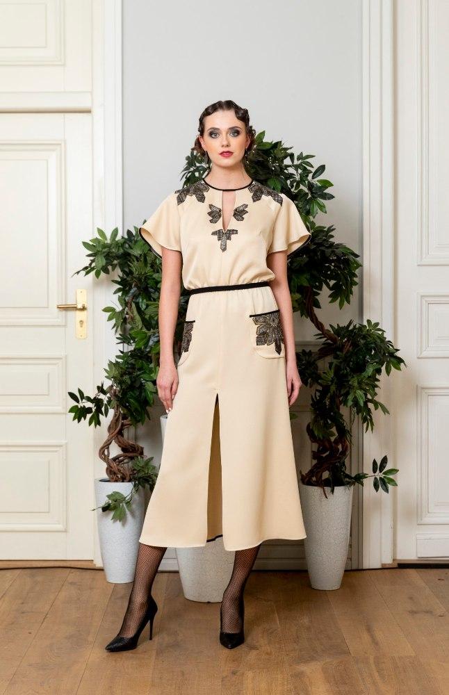 """d3c5b56987f Tiina Talumees esitles oma kevadsuvist couture-kollektsiooni """"Vabariigi  Naine"""" (Kalev Lilleorg)"""