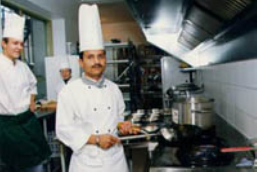 Hindu kokk päästab Tartus Lauri Laubre unistusi